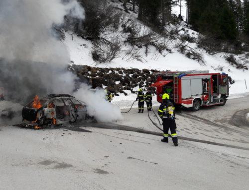 Einsatz +++B08-Fahrzeugbrand+++ 01.03.2020 10:31 Uhr